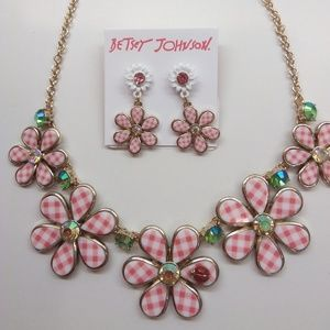 Betsey Johnson New Pink Flower Necklace & Earrings